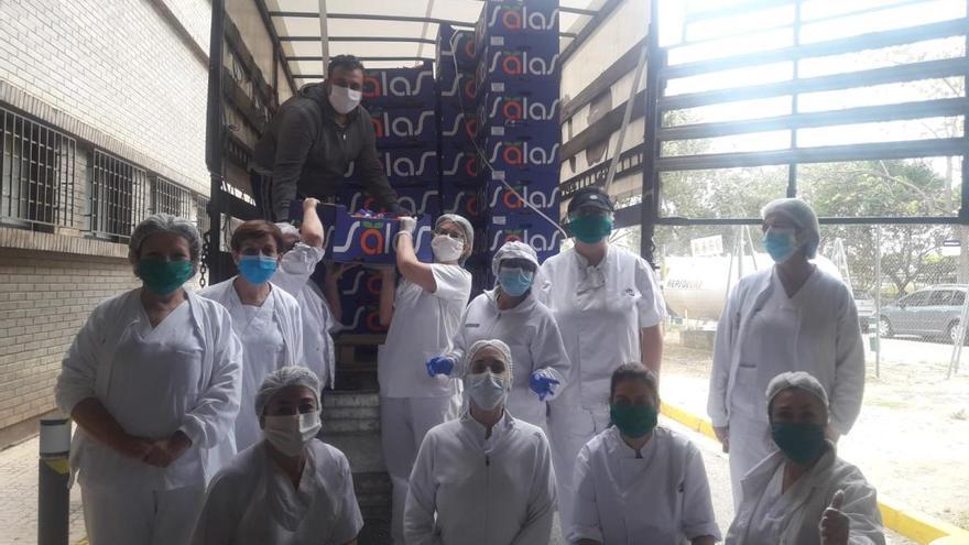 Frutas Hermanos Salas de Estubeny dona cinco toneladas de naranjas a hospitales valencianos y a Ifema