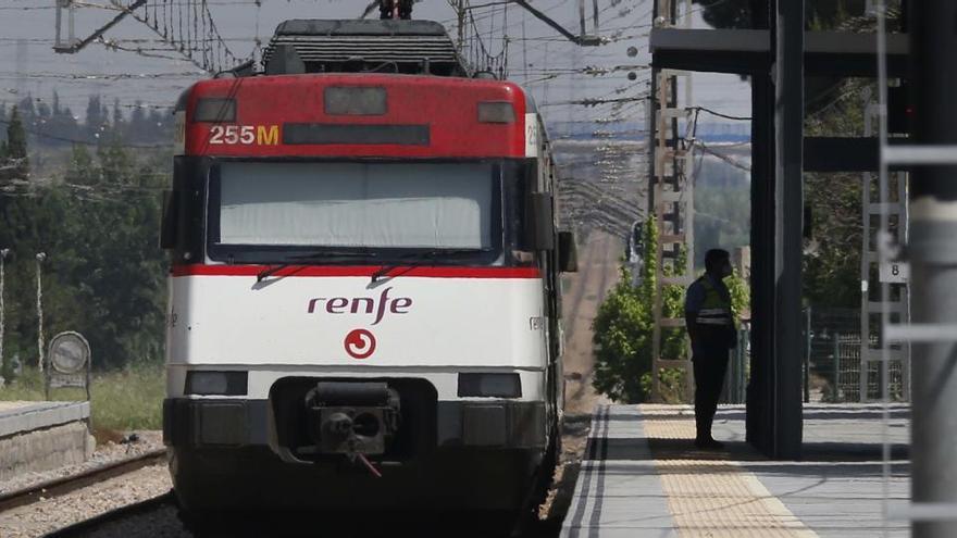 Renfe logra el certificado Aenor para las medidas 'anti COVID' de sus trenes