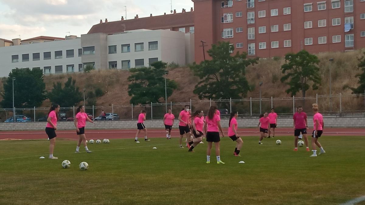 El equipo zamorano entrenó este viernes en la Ciudad Deportiva