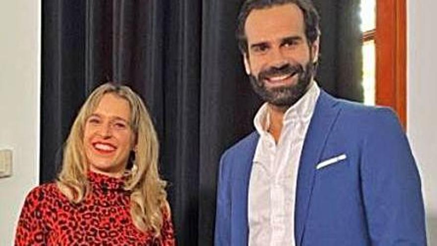 Margalida Mateu y David Ordinas darán las campanadas de fin de año en IB3 Televisió