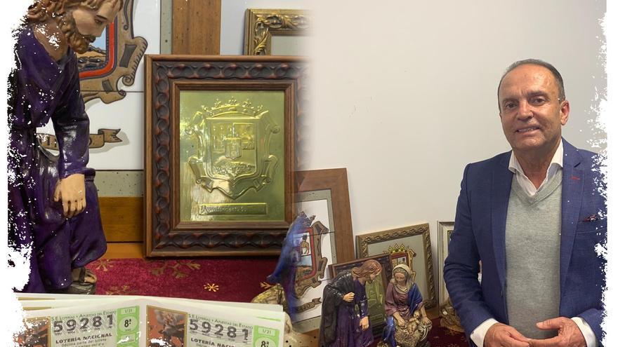El alcalde de Tinajo dona una serie del sorteo de 'El Niño' a los vecinos