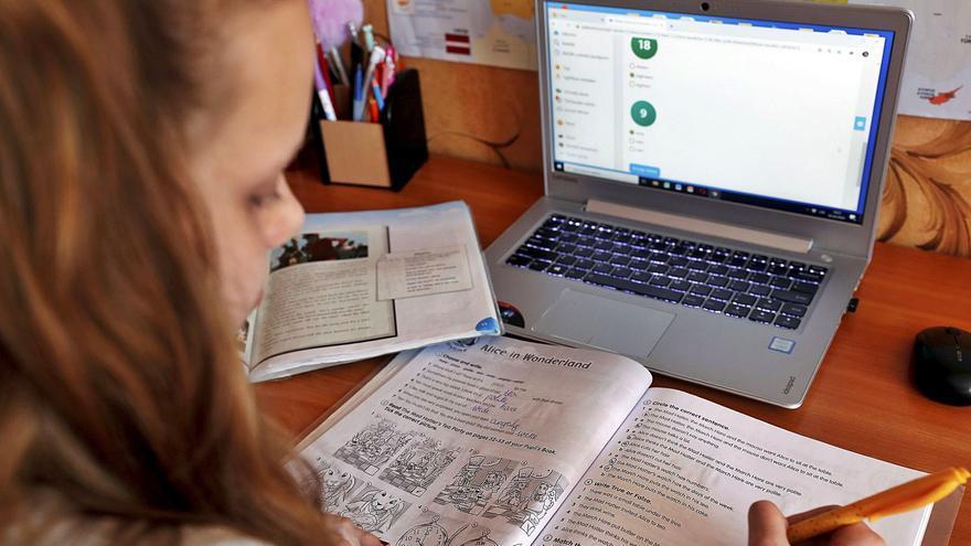 Investigadores de la UA lanzan una wikipedia escolar contra la brecha digital