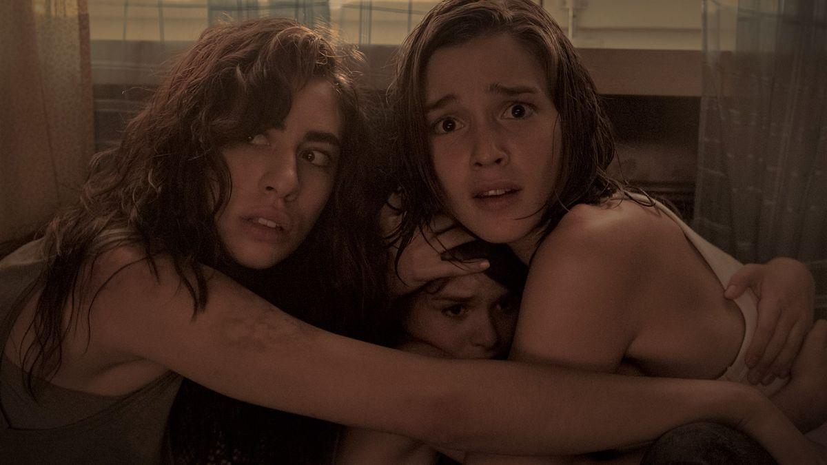 Un fotograma de 'La niña de la comunión', de Víctor García.