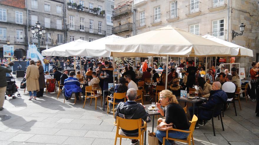 Más contagiados y menos hospitalizados en el primer fin de semana sin emergencia sanitaria en Galicia