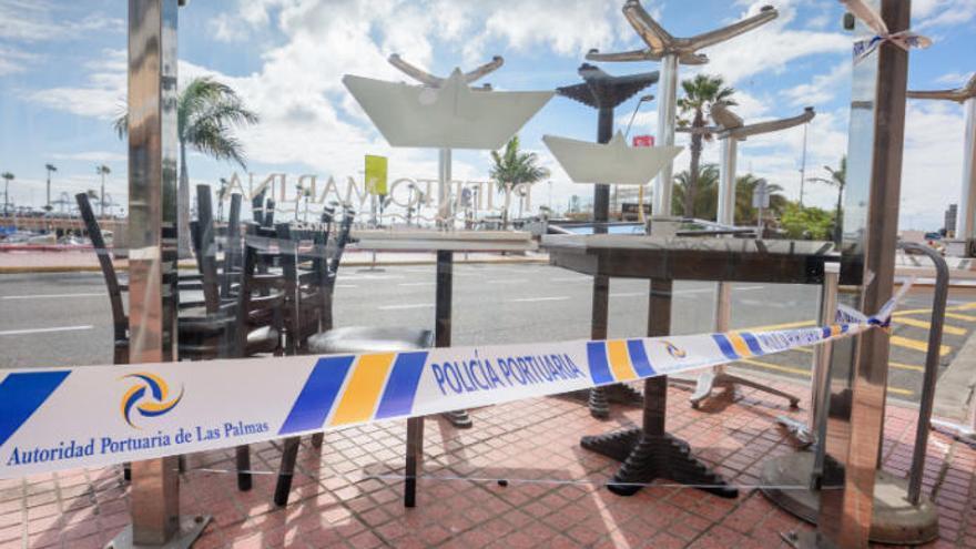 La Autoridad Portuaria desahucia un restaurante del Muelle Deportivo