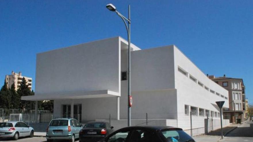 Reunión para finalizar las obras de Els Sementals tras más de cuatro años de cierre