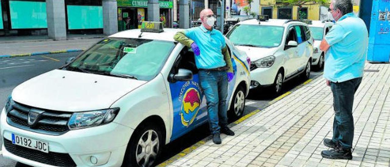 Una de las dos cooperativas de taxis de la ciudad quiere que se implante el día libre