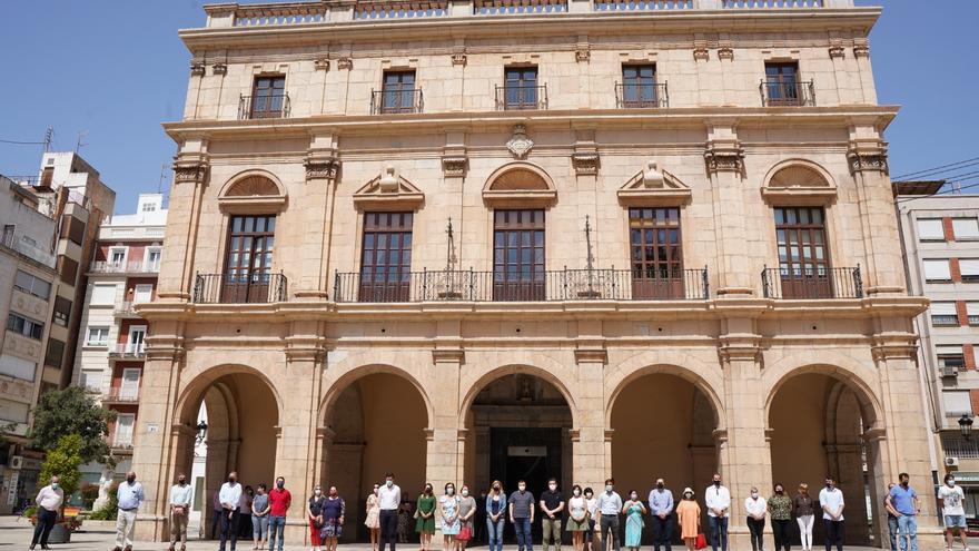 Silencio sepulcral en Castellón para gritar ¡basta! a la violencia machista