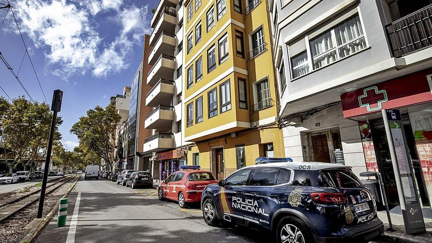 Los vecinos del edificio incendiado en Palma pueden volver a sus casas