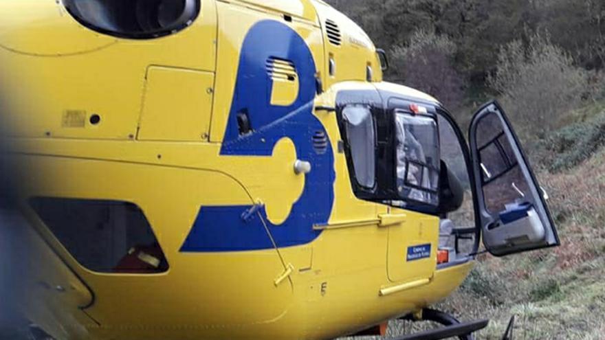 Herido un motorista al salirse de la vía en La Riera (Somiedo)