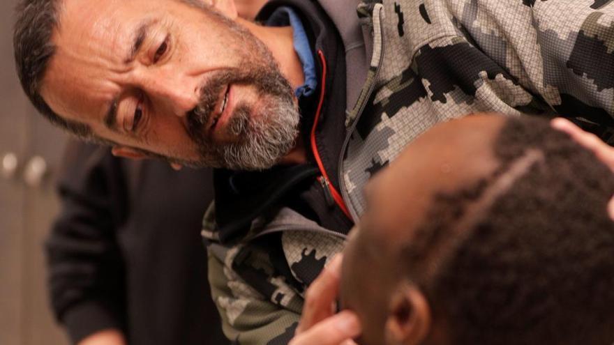 Un nuevo milagro del doctor Cavadas: extirpa a un niño un tumor más grande que su cabeza