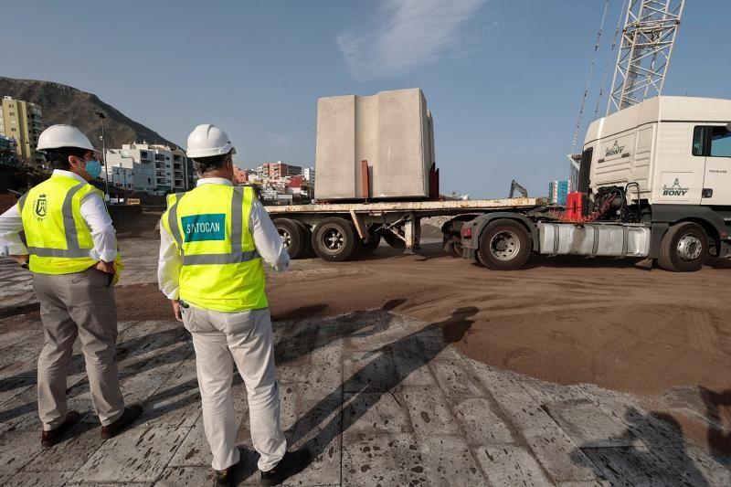 Coloca los bloques en el dique de Bajamar