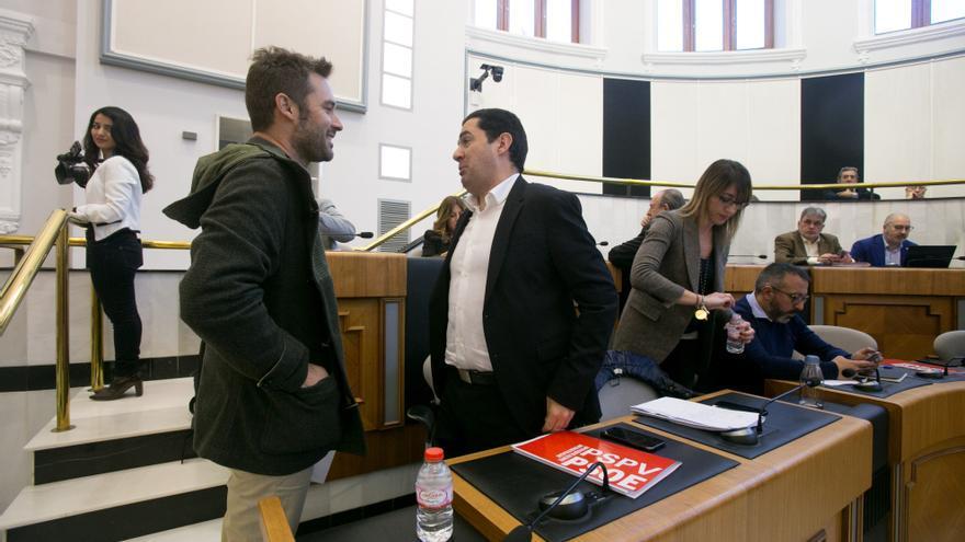 El sueldo del alcalde de Agres recrudece el pulso abierto entre el PSOE y Compromís en Alicante