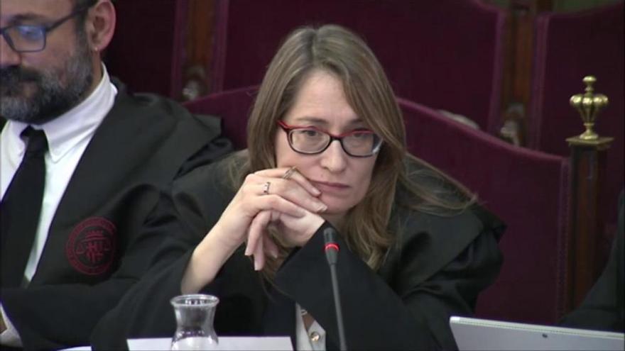 Una testimoni diu que Sànchez es va oferir a acompanyar la secretària judicial a sortir d'Economia