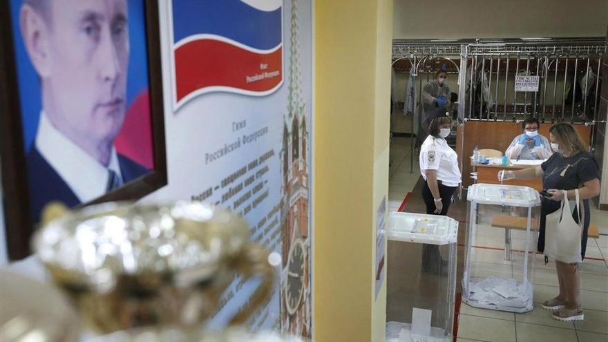 Putin intenta animar la participación en el último día de votación sobre la reforma constitucional