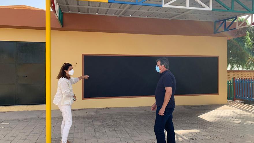 Supervisan las obras que realiza el Ayuntamiento en los CEIP de Caserones y El Goro
