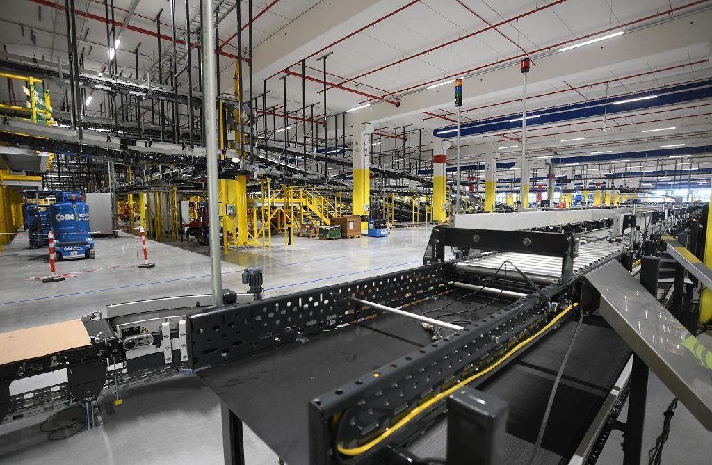 Así es el nuevo centro logístico de Amazon en la Región