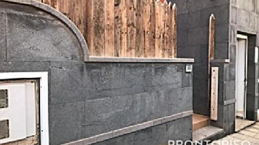 62.000 € Venta de piso en Antigua, 2 habitaciones, 1 baño...