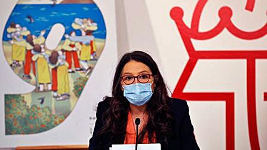 Mónica Oltra: «Nos falta que los servicios sociales se equiparen a la sanidad o a la educación»