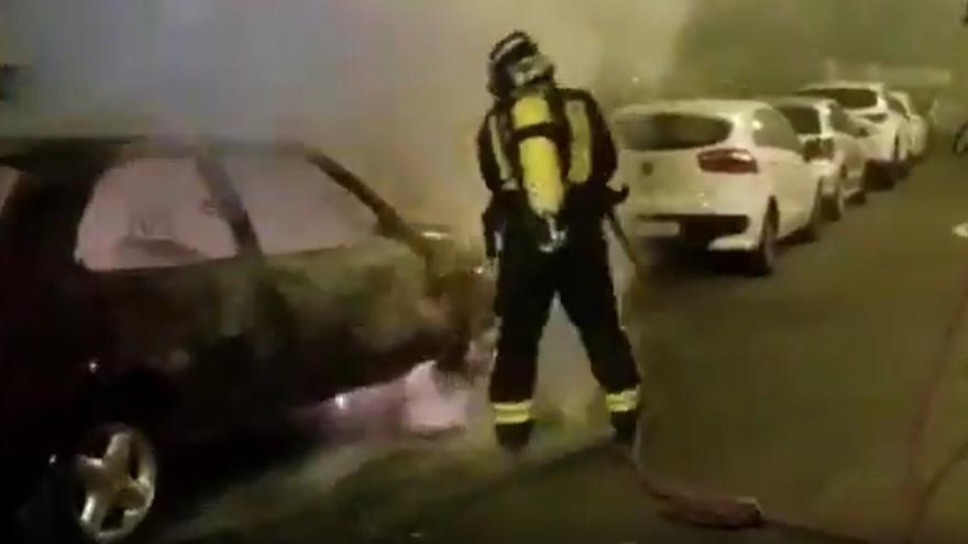 Arde un coche en Escaleritas