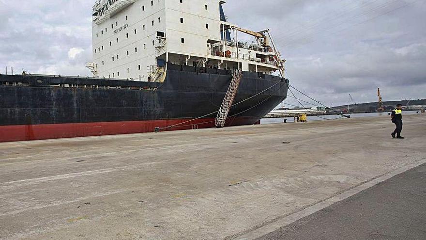 El buque ruso abandonado sale de nuevo a subasta por 849.000 euros