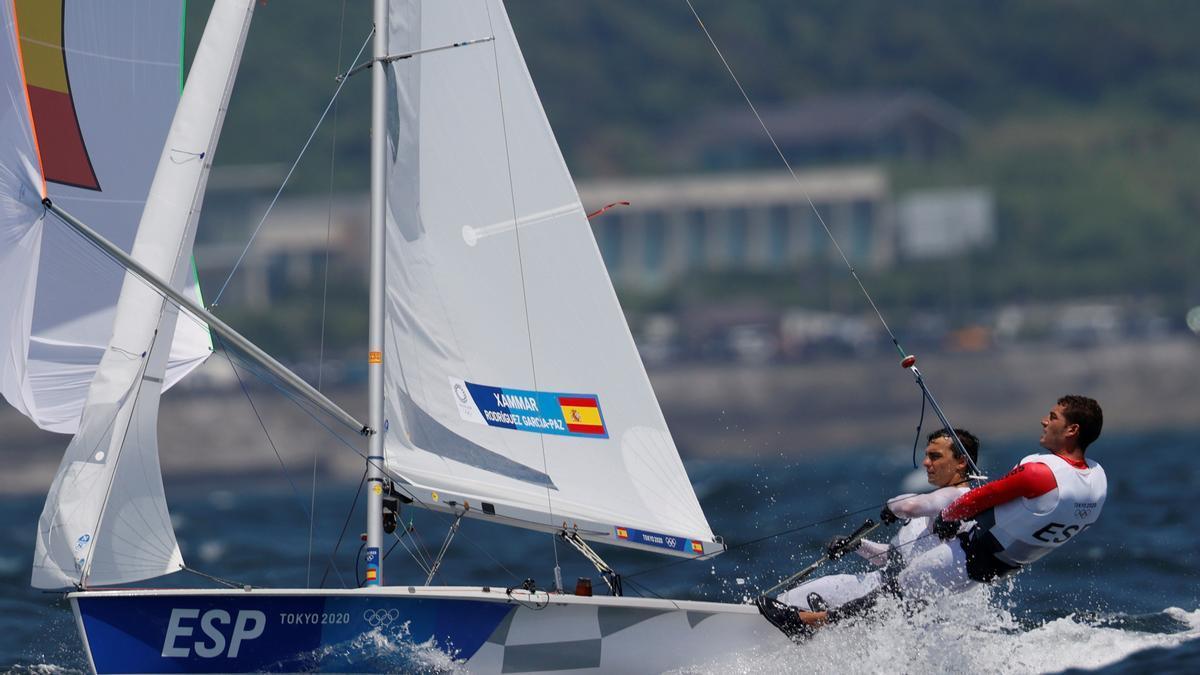 El timonel Jordi Xammar y el tripulante Nicolás Rodríguez.