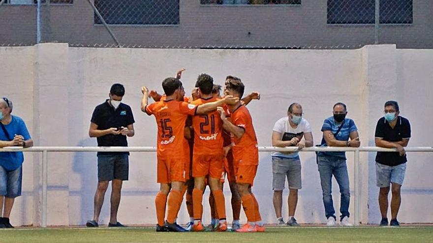 El Atzeneta remonta en Benigànim y pasa a la final territorial de la Copa