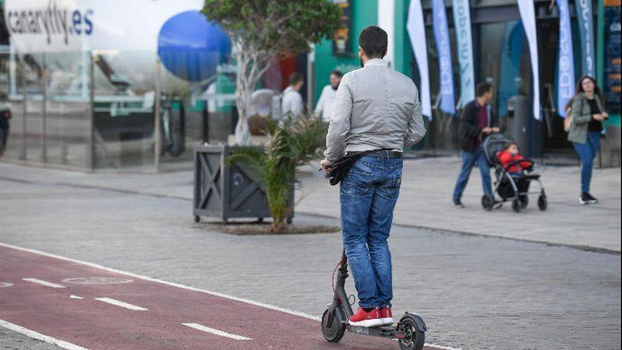 La DGT impone más restricciones a las patinetas eléctricas que a las bicicletas