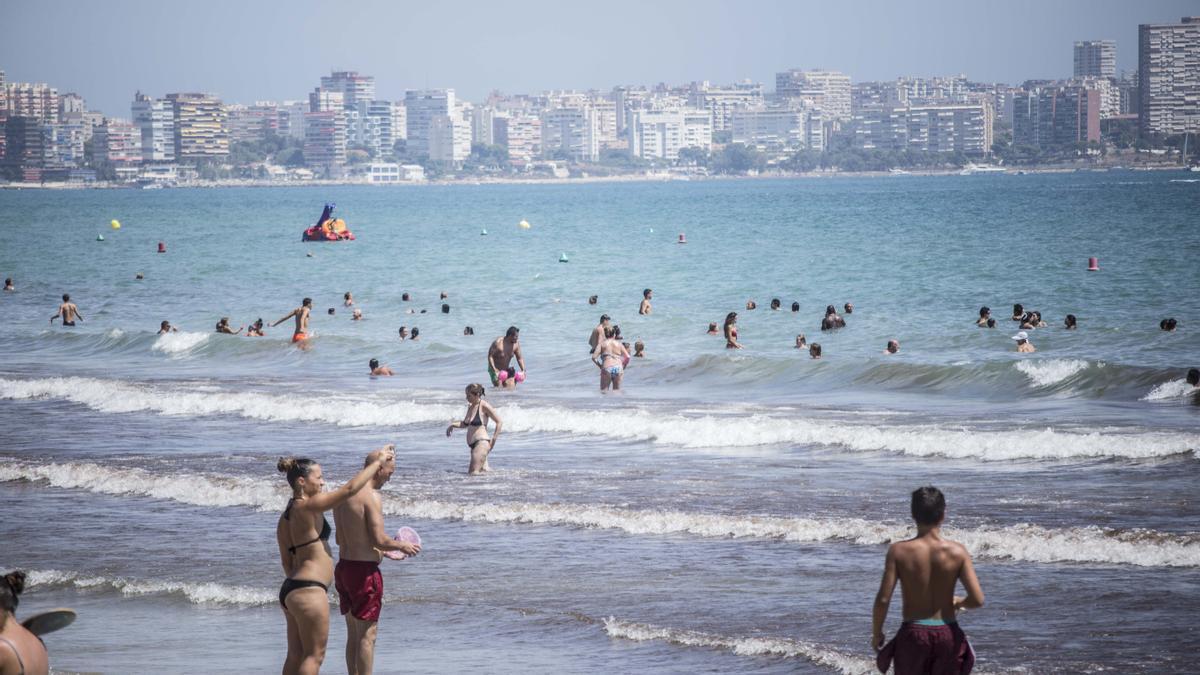 El tiempo en Alicante: Cielos despejado y temperaturas cerca de los 30 grados