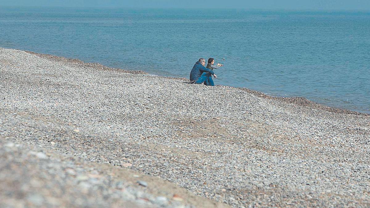 Imagen de archivo de una playa del norte de Sagunt.