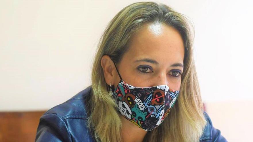 El PSOE expedienta a su consejera de Sanidad en La Palma por vacunarse