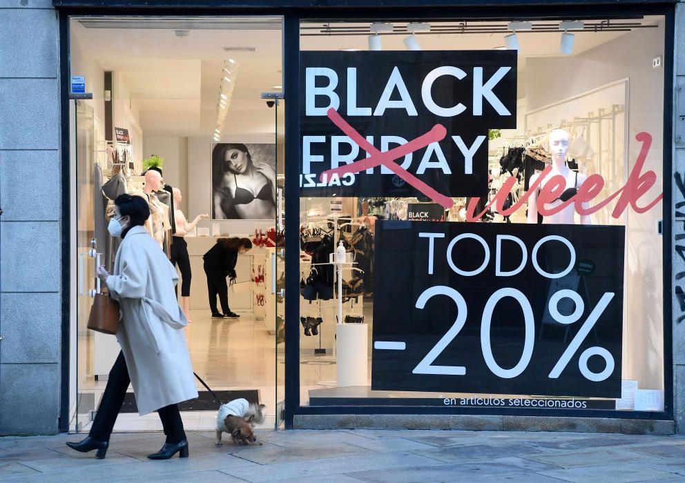 El comercio coruñés se suma al 'Black Friday' con grandes descuentos.
