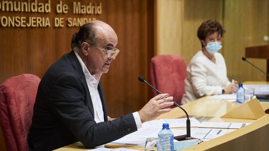 """Madrid pondrá la segunda dosis de AstraZeneca """"a los que así lo soliciten"""" si Sanidad no se pronuncia"""
