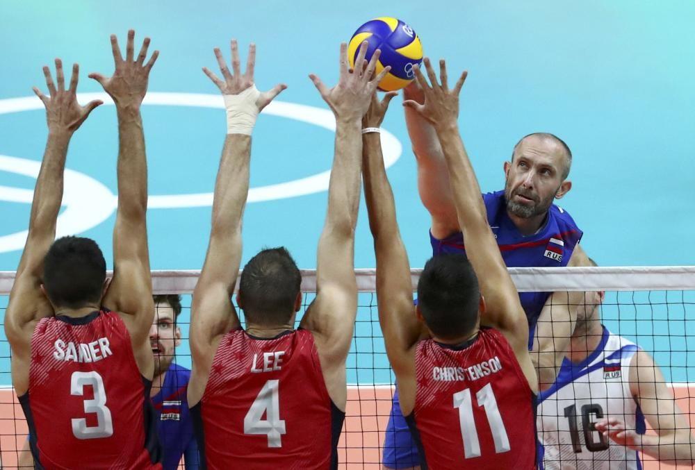 Final de voleibol masculino de Rusia frente a EEUU.