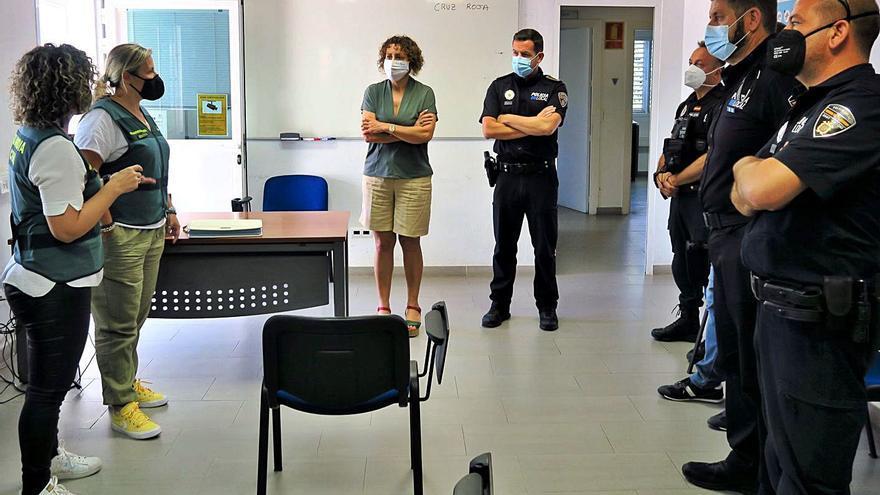 La Policía Local recibe formación en Ibiza sobre violencia de género