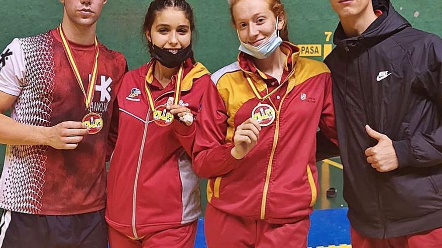 Oro para Lucía Vara y Óscar Hernández