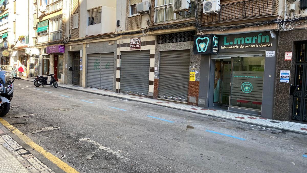 Plazas de zona azul en calle Andarax, junto a la calle La Unión.