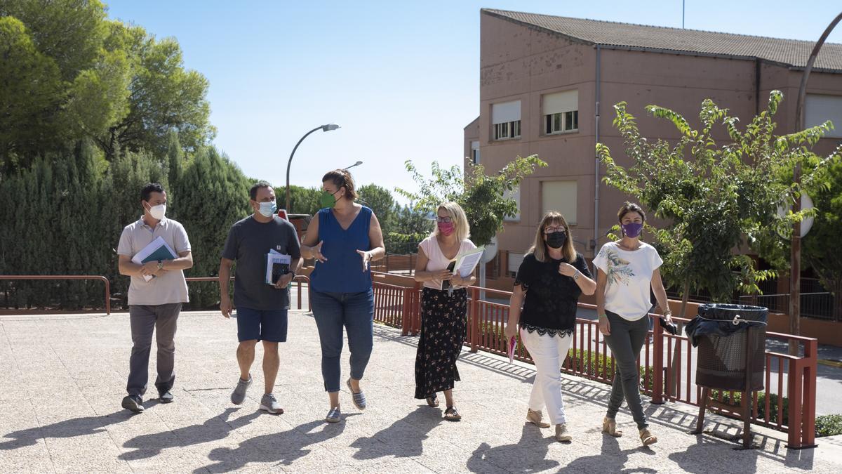 La Diputación de Castellón y la Generalitat preparan dos convenios por valor de tres millones de euros para el mantenimiento de los centros educativos de Penyeta Roja