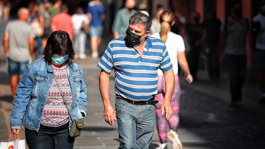 Canarias inicia la semana con 143 nuevos casos de la Covid