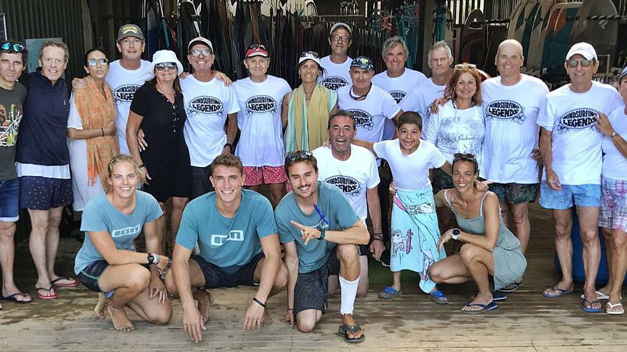 Trobada dels surfistes de vela «Windsurf legends» que navegaven al llac del Parc de l'Agulla fa 30 anys