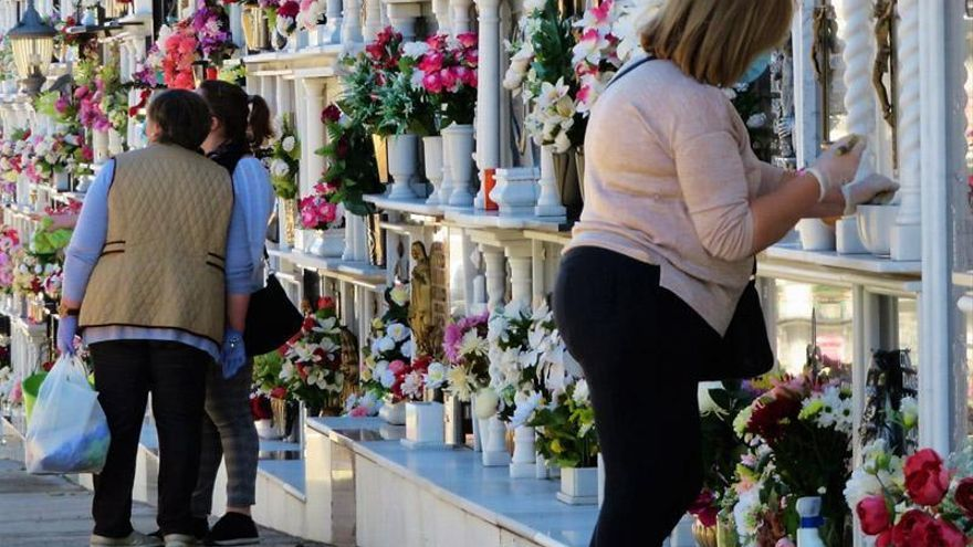 Visitas escalonadas al cementerio de Monesterio, que ha suspendido sus actos religiosos