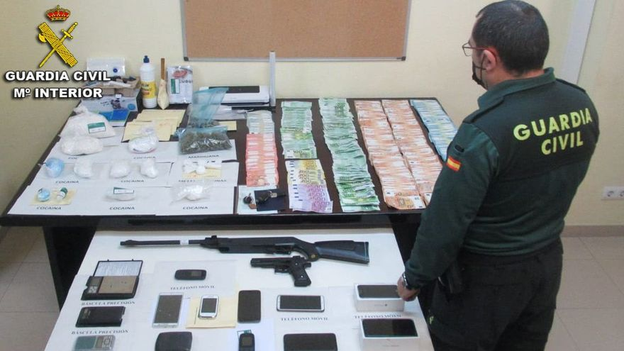 Desarticulado un negocio 'familiar' de tráfico de drogas en Sanxenxo