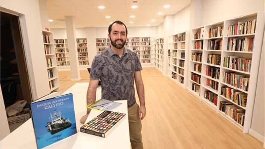 """Jesús Salas: """"Abrir la librería a pesar de la pandemia ha sido un acierto"""""""