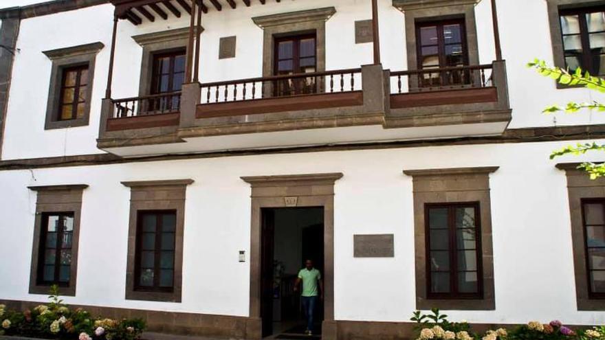 Moya cierra la casa consistorial por un posible caso de Covid-19