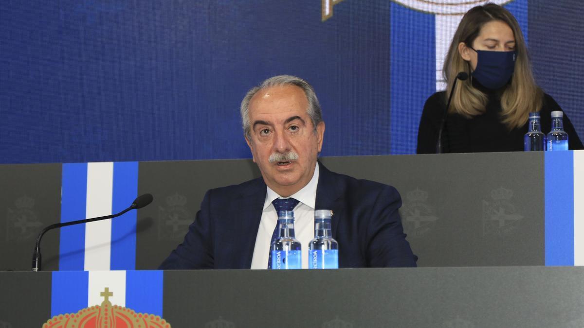 El presidente del Deportivo, Antonio Couceiro, esta mañana en la junta de accionistas.