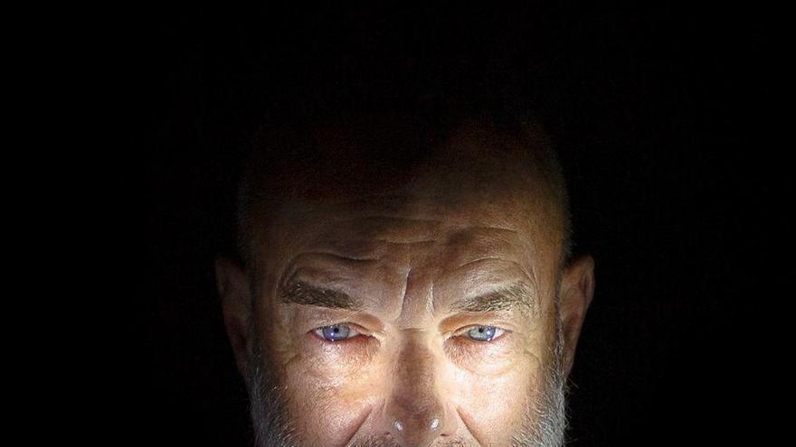 Brian Eno elige un vídeo del realizador coruñés Juan Lesta para 'Dark Sienna'