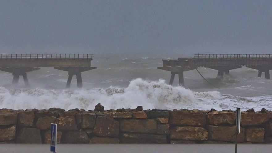 La falta de medidas expone al Pantalán del Port de Sagunt a otro otoño de sobresaltos