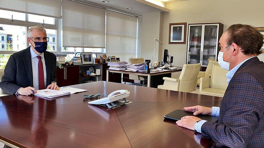 Crespo confirma la postura contraria de la Xunta al mega parque eólico