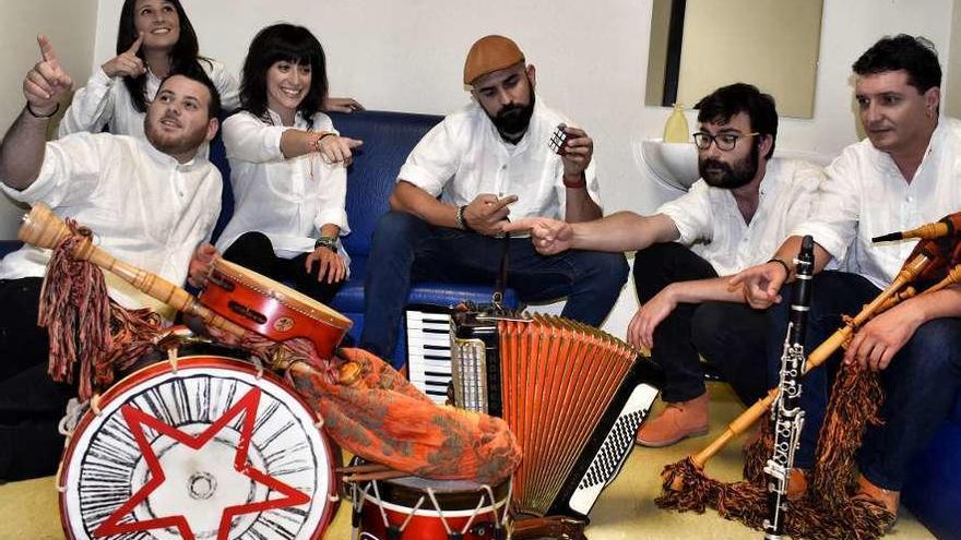 """Josiño da Teixeira: """"Defendemos a nosa cultura a partir das cancións"""""""