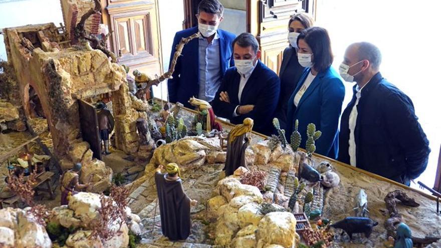 El Ayuntamiento acoge hasta el próximo 8 de enero su tradicional belén navideño